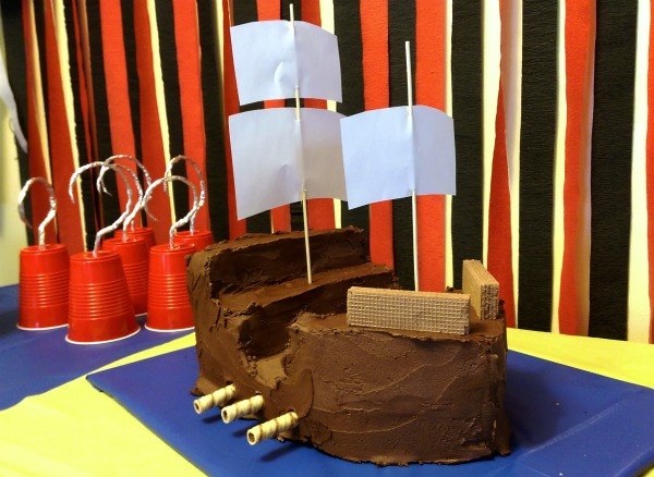 Pirate Party: Easy Pirate Ship Cake