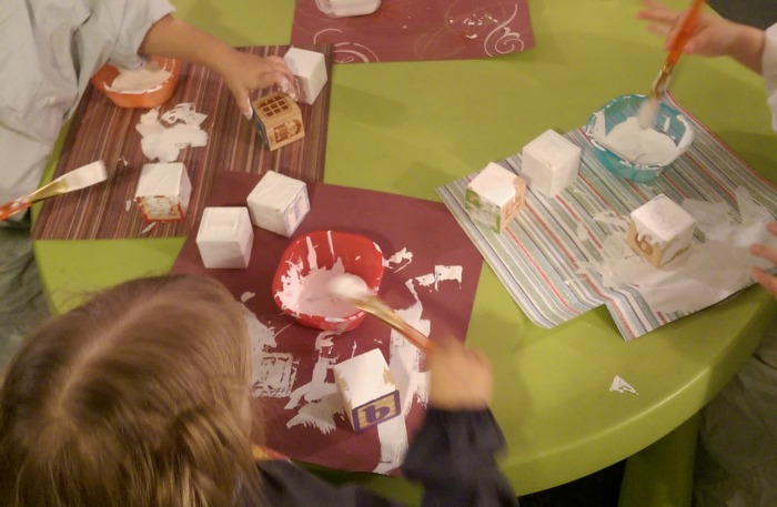 Alphabet Block Snowman: Super Easy Christmas Craft