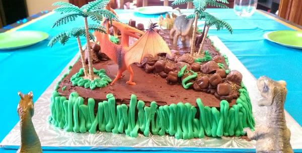 Fun Dinosaur Cake Idea!