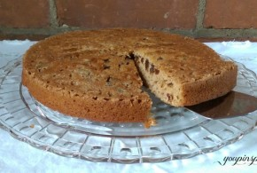 Canadian War Cake: Eggless Dairy-Free Raisin Spice Cake from 1915